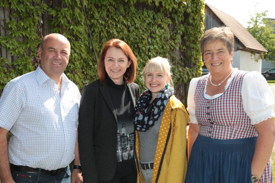 Simone Schmiedtbauer besucht Großklein